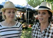 erika-and-sallie-warragul-farmers-market-baw-baw-citizen-by-william-pj-kulich